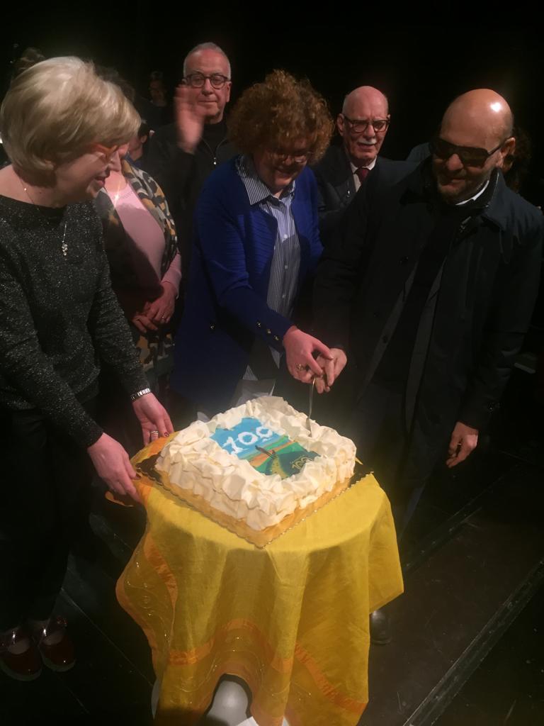 taglio della torta del Centenario foto 2